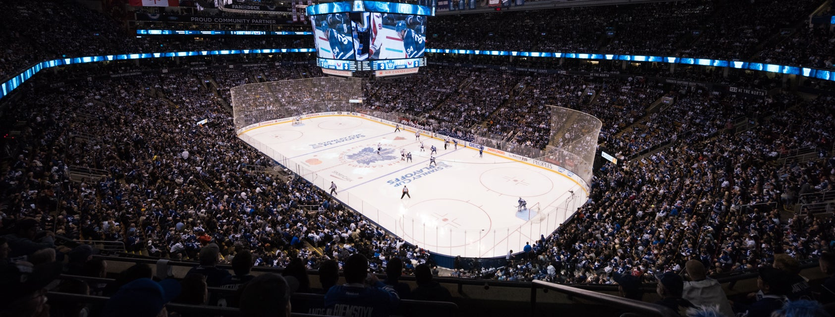 TOR MAPLE LEAFS vs CLB BLUE JACKETS - Green Corner 306, Row 10 ...
