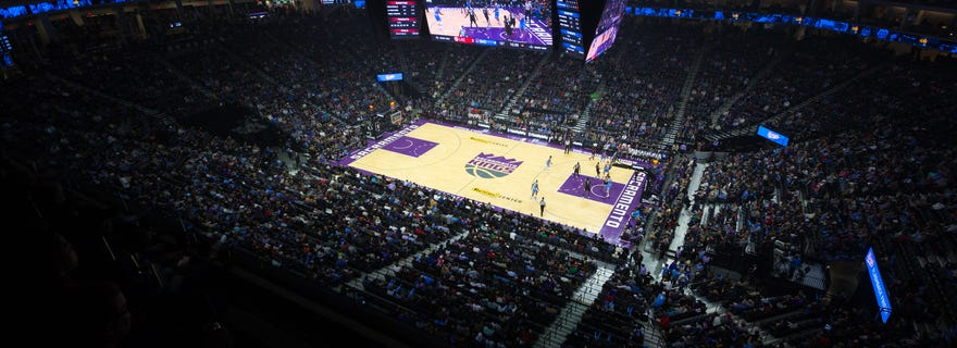 Los Angeles Lakers at Sacramento Kings at Golden 1 Center