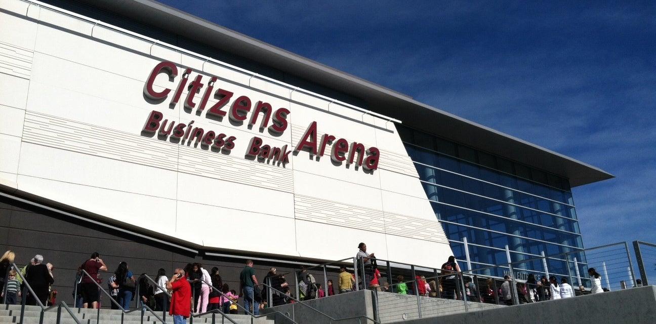 Lakers vs DEN @ Citizens Bank Tickets